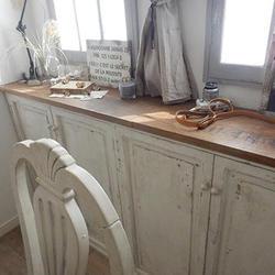 自作の収納棚。塗装表現が見事