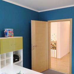 内装は塗装下地壁紙+塗装が主流