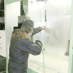 塗装前のエアブロー工程