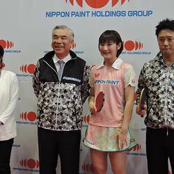 左から四元さん、田堂社長、加藤選手、三原監督
