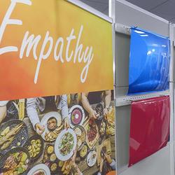 「Empathy」をテーマに開発した塗色は明るく華やか