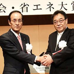 山口均社長(左)と石子達次郎社長