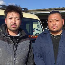 秋山宣宏氏(左)と畑山駿介氏(右)
