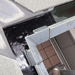 雨樋の割れもサッと修理